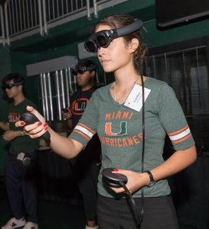The-U-Experience-Magic-Leap-University-of-Miami-Presidents-Celebration-for-New-Students-2019 (4)