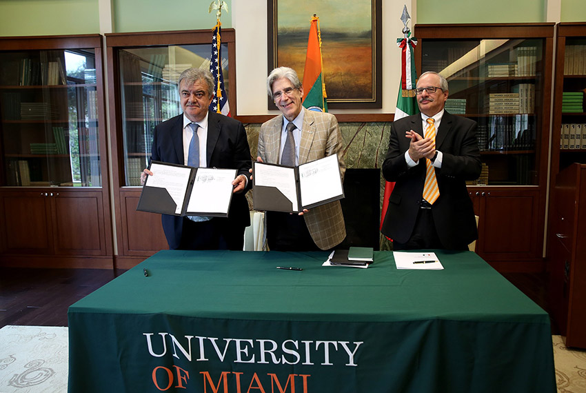 Yucatan Delegation Heuristic sign agreement with University of Miami Center for Computational Science March 31 2016